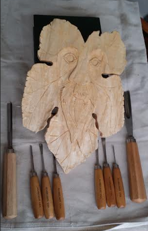 """""""My favorite gouge is the U shaped with a #9 sweep. Just now learning how to carve gourds with it.  I also have a fishtail gouge and a small veiner but the U shape with the deep sweep works the best on gourds.  Love those curvy designs it makes."""""""